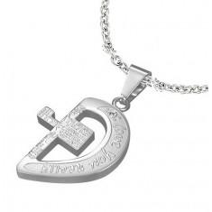 Ciondolo in acciaio inox, color argento, metà cuore con croce e scritte