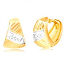 Orecchini realizzati in oro 585 - triangolo arrotondato, tagli diagonali, striscia in oro bianco