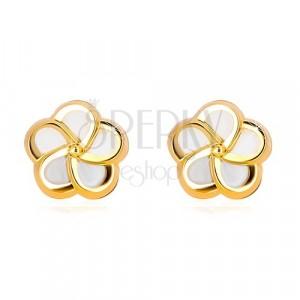 Orecchini in oro giallo 14K - fiore con cinque petali e perla naturale