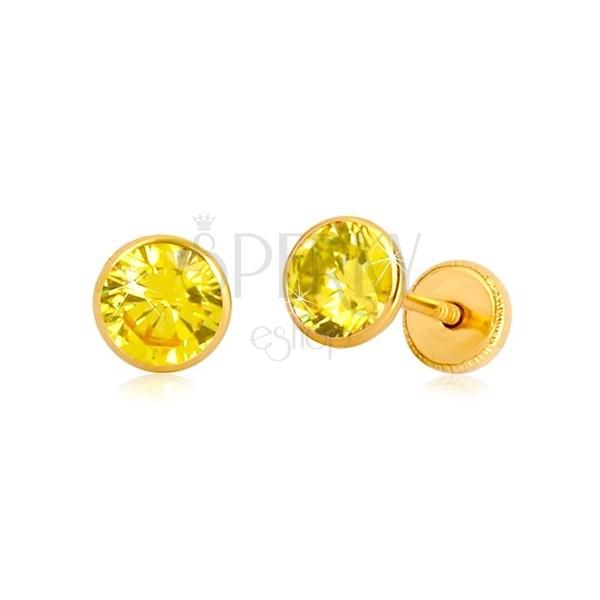 Orecchini in oro giallo - zircone giallo in montatura. chiusura a perno e farfalla, 5 mm