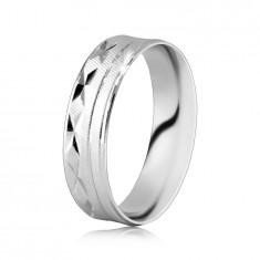 Anello in argento 925 - superficie con zigrinatura su diagonale, intagli a forma di X, linee sottili