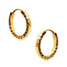 Orecchini in oro giallo 585 - cerchi decorati con forma di rombo, lati quadrati, 12 mm